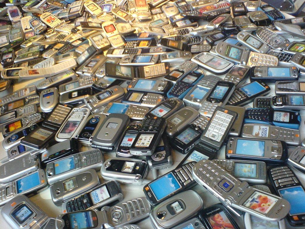 Brasileiros gastam em média 7,3% de sua renda com ligações de celular
