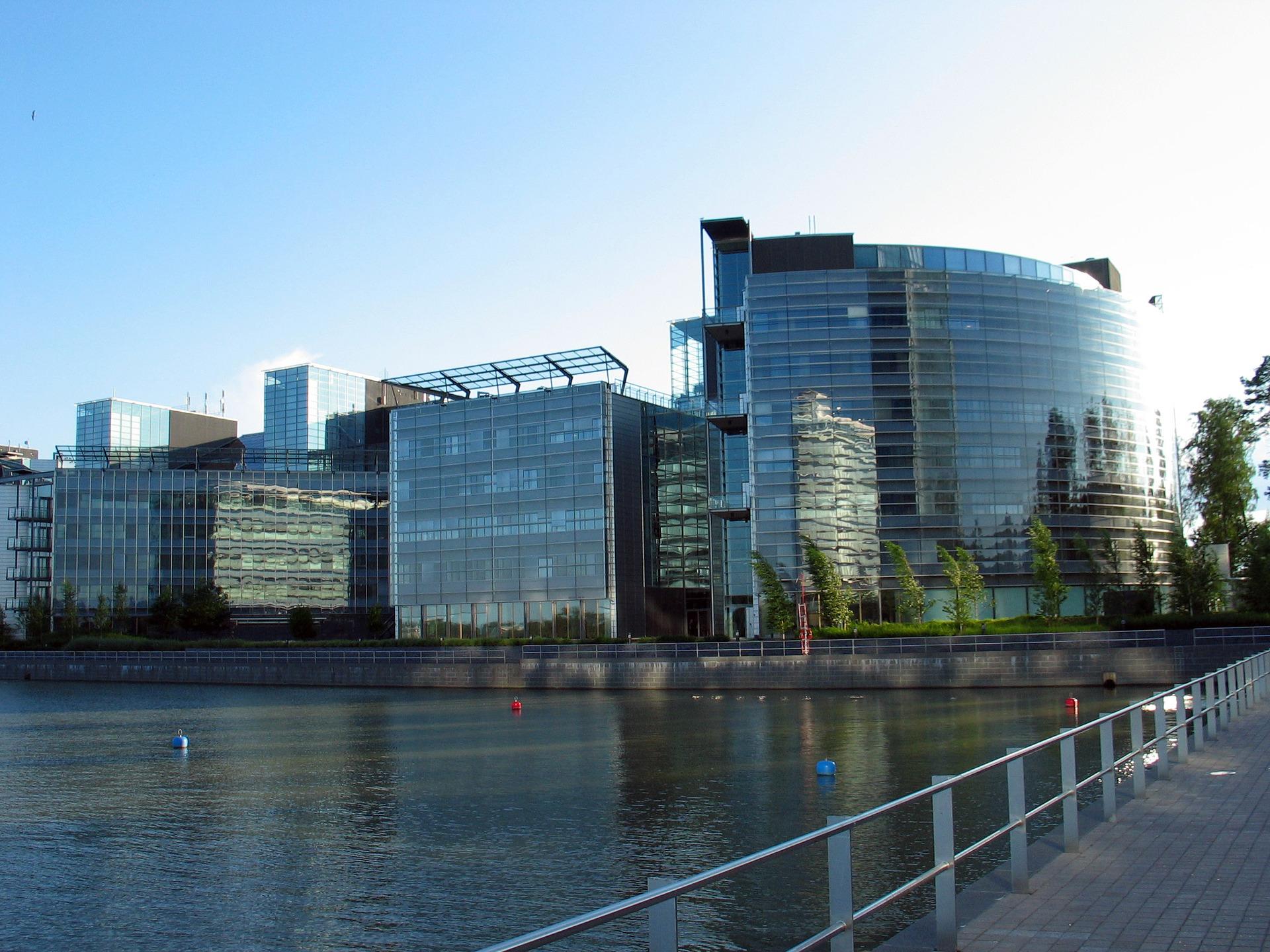 Nokia pretende vender sua sede na Finlândia