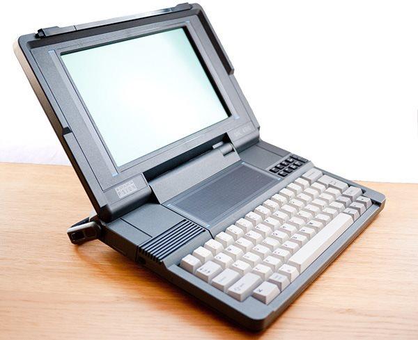 Notebook lançado em 1989 já tinha SSD e bateria de 60 horas de duração!