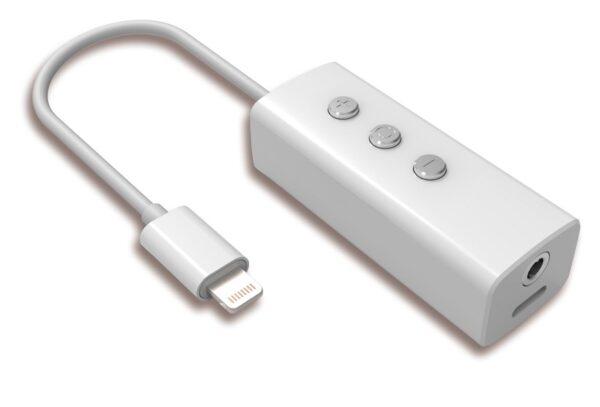 (Imagens do suposto adaptador que permitiria o uso de fones padrão 3,5mm)