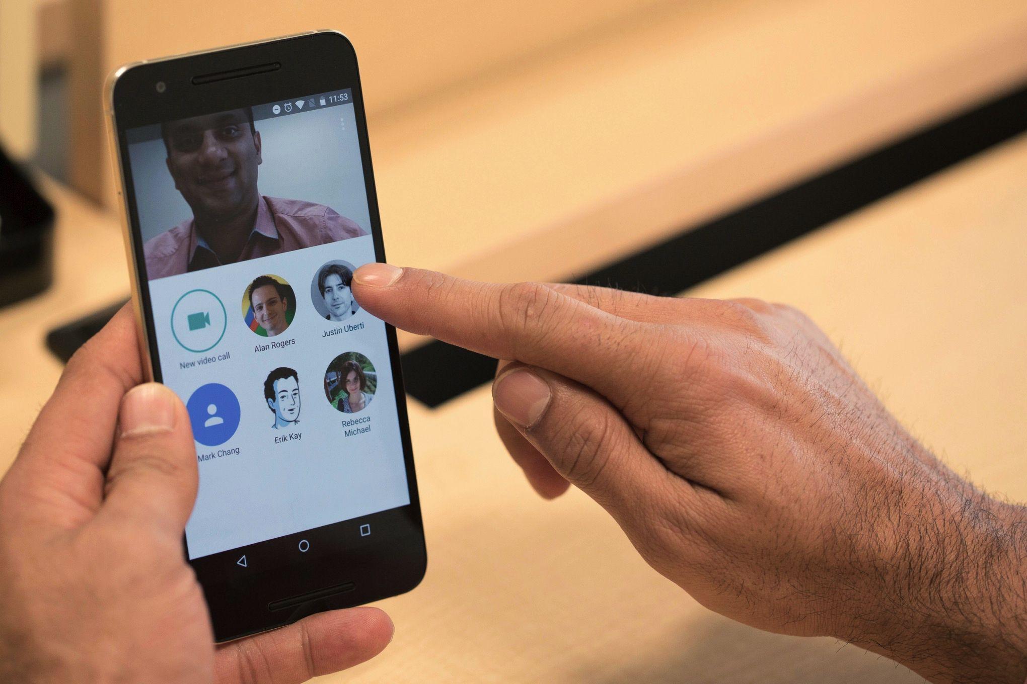 Google lança Duo para competir com o Skype
