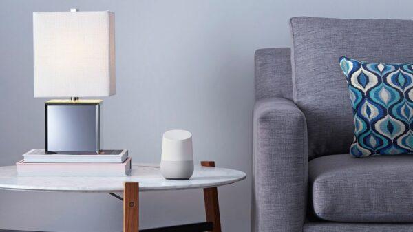 (O Google Home promete revolucionar o conceito de casa inteligente)