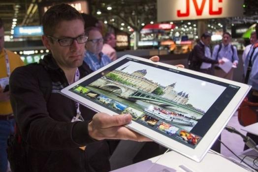 Panasonic lança tablet de 20 polegadas com resolução 4K que custa R$ 14 mil!