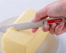 Empresa cria passador que espalha manteiga gelada com facilidade