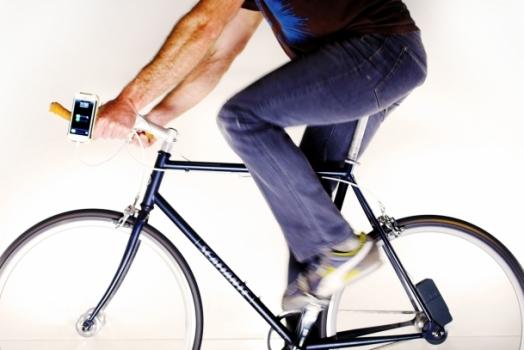 Carregador enche a bateria do seu celular enquanto você pedala na bicicleta