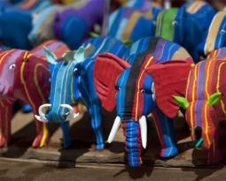Chinelos velhos viram brinquedos e retiram 400 toneladas de lixo dos oceanos
