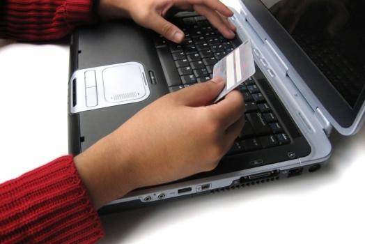 Procon divulga lista negra com 275 sites que não são recomendados para compras na internet